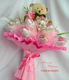 Ideas For Dairy Milk Chocolate Bouquet Gift Ideas Gift Bouquet, Candy Bouquet, Candy Flowers, Paper Flowers, Bouquet Pastel, Chocolate Flowers Bouquet, Valentine Baskets, Sweet Trees, Candy Gifts