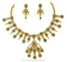 Gold Polki Necklace Latest Designs, Gold Polki Necklace with Emeralds, Polki Necklace Designs.
