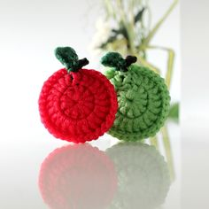 APPLE Scrubbie - Tampon à récurer POMME Tampons, Ceramic Plates, Washing Clothes, Eco Friendly, Crochet Earrings, At Least, Foundation, Handmade Items, Crochet Patterns