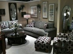 Living room decorating ideas,  I love this overall look..♥