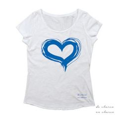www.decharcoencharcoshop.com PIN10 for a 10% discount. Worldwide shipping, Camiseta blanca mujer cuello redondo CORAZON de DECHARCOENCHARCO.