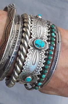 This belongs on my wrist.) Old Vintage Silver Snake Eye Green Turquoise Row Cuff Bracelet SM Wrist Indian Jewelry, Boho Jewelry, Cheap Jewelry, Gold Jewellery, Jewellery Shops, Jewelry Ideas, Jewellery 2017, Handmade Jewelry, Jewellery Exhibition