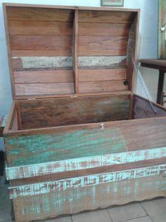baú em madeira de demolição