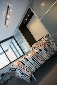 IKEA hack -Murphy bed in PAX wardrobe / space saver
