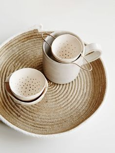 love this little tea strainer