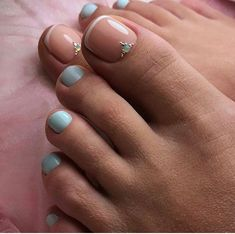 Semi-permanent varnish, false nails, patches: which manicure to choose? - My Nails Toe Nail Color, Toe Nail Art, Nail Colors, Pretty Toe Nails, Cute Toe Nails, Pedicure Colors, Manicure E Pedicure, Pedicures, Pedicure Ideas