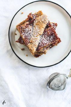 Rezept für eine Linzertorte oder Linzerschnitte vom Blech French Toast, Sweets, Breakfast, Ethnic Recipes, Food, Cupcake, Austria, Muffins, German