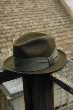 dfc3ab01743 Vintage 50 s American Portis Brand Dark Green Stingy Fur Felt Fedora Trilby  Hat UK 6 3 4