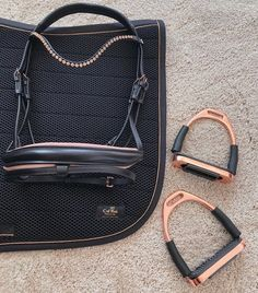 Love this new rose gold set – Fawn Maud - Equitation Horse Riding Gear, Horse Riding Clothes, Riding Hats, Horse Gear, Horse Riding Outfits, Horse Tips, Equestrian Boots, Equestrian Outfits, Equestrian Style