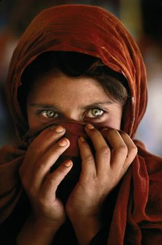 Photographer: Steve McCurry - A different shot of his famous photo the Afghan Girl - Location: Peshawar, Pakistan - copyright to Steve McCurry