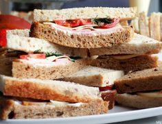 Kolmioleipien suolaiset täytteet x 3 - Kaakao kermavaahdolla Sandwiches, Baking, Party, Food Ideas, Drinks, Drinking, Beverages, Bakken, Parties