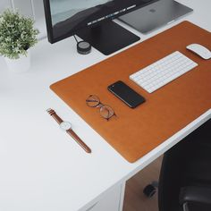 Brown leather desk mats from @ulxstore. Link in bio - ultralinxstore.com