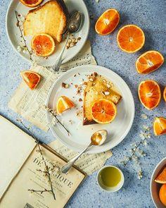 { NEW POST } Ma passion dans la vie faire des cakes à l'huile d'olive (et quand en plus on peut y ajouter des agrumes et plus emcore des oranges sanguines c'est le bonheur !) . . . #monini #MoniniGrandFruttato #cake #bloodorange #foodstyling #dansmonassiette #thefeedfeed #gloobyfood