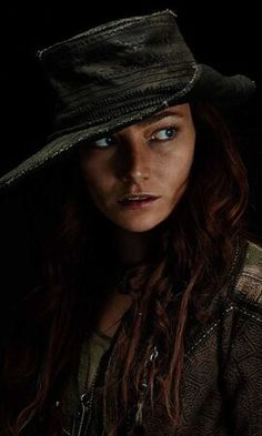 Pirate Queen, Pirate Art, Pirate Woman, Black Sails Vane, Black Sails Starz, Charles Vane Black Sails, Clara Paget, Warcraft Characters, Pirates Cove