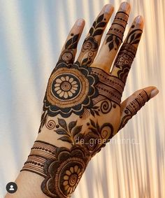 Khafif Mehndi Design, Floral Henna Designs, Back Hand Mehndi Designs, Latest Bridal Mehndi Designs, Latest Arabic Mehndi Designs, Mehndi Designs For Beginners, Mehndi Designs For Girls, Mehndi Design Photos, Mehndi Designs Book
