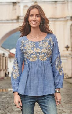 Lend boho beauty to casual looks the moment you pull on this 'Julianna' embroidered peasant top. Kurti Embroidery Design, Embroidery Fashion, Dressy Tops, Kurta Designs, Boho Fashion, Fashion Outfits, Indian Designer Suits, Unique Clothes For Women, Bohemian Mode