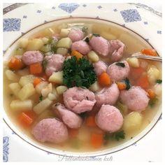 Pullantuoksuinen koti: Paras Siskonmakkarakeitto. Best rawsausage soup.