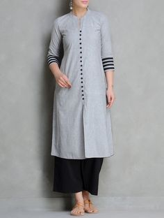 Buy Grey Black Mangalgiri Cotton Kurta by Maati Crafts Apparel Tunics Dress Neck Designs, Designs For Dresses, Blouse Designs, Salwar Designs, Kurta Designs Women, Mode Bollywood, Kurta Patterns, Look Plus Size, Kurta Neck Design