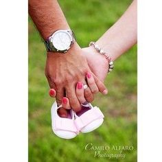 Everyone loves tiny shoes!   38 Insanely Adorable Ideas For Your Maternity Photo Shoot