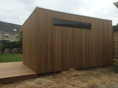 modern tuinhuis in thermowood blok