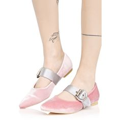 Yer On Pointe Ballet Flats (51 CAD) ❤ liked on Polyvore featuring shoes, flats, pointy toe shoes, pink flat shoes, ballet flat shoes, pink ballet shoes and pointy-toe flats
