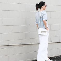 @fifideluxeblog pairs her J BRAND 9826 Dallas Frayed Tee in Faint with white flares. #InMyJBRAND