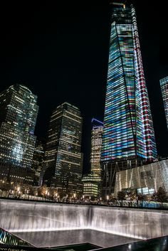 One World Trade Center Night Lights ~ Manhattan, New York  The history of New York♡♥♡♥