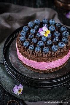 Brownie-Törtchen mit Beerencreme | lifeisfullofgoodies.com | Bloglovin'