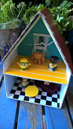 shoebox dollhouse challenge making a dollhouse from a shoebox and rh pinterest com Shoebox House Project how to wire a shoebox house