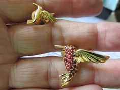 July Birthday SMITHSONIAN HUMMINGBIRD Family PINS by Avon Gold Plated Ruby Red…