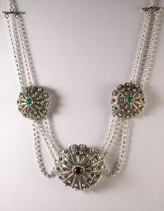 Collana in argento con bottoni sardi. Filigree Jewelry, Sardinia, Metal Working, Jewels, Diamond, Bracelets, Silver, Gold, Accessories