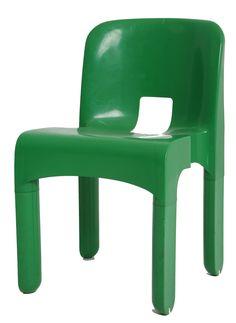 """<p>Chaises """"Universal"""", design Joe COLOMBO, en plastique ABS de couleur verte. Ces chaises vintage, éditées par Kartell à la fin des années 60, ont été les 1ères chaises moulées au monde ! Elles apporteront à coup sûr une touche vintage unique à votre intérieur, ou à votre terrasse.</p>"""