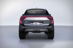 Emre Husmen an designer from Instambul made this Tesla pickup truck concept which will eventually be named the 'model P'. The design is very futuristic. Tesla Pickup Truck, Pickup Trucks, Tesla S, Tesla Motors, Pick Up, Tesla Roadster, Bmw M4, Long Awaited, Truck Bed