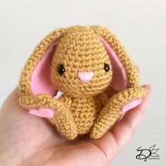 Well if not, I have a very adorable Easte Bunny pattern for you, and the good news, it's completely free! Easter Crochet, Crochet Bunny, Crochet Animals, Crochet Gifts, Diy Crochet, Crochet Toys, Amigurumi Patterns, Amigurumi Doll, Crochet Patterns
