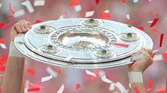 Bundesliga! Objekt der Begierde: Die Meisterschale ging in den vergangenen beiden Spielzeiten an den FC Bayern. http://www.focus.de/sport/fussball/bundesliga1/spielplan/bundesliga-spielplan-ergebnisse-und-tabelle-der-saison-2015-16_id_4241979.html