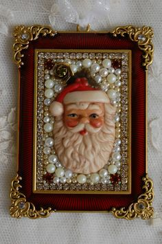 Vintage Jewelry Crafts Vintage Jewelry Framed Christmas Ornament ♥ Porcelain Santa Face with Jewels Jewelry Christmas Tree, Christmas Art, Vintage Christmas, Christmas Decorations, Christmas Ornaments, Xmas, Costume Jewelry Crafts, Vintage Jewelry Crafts, Craft Jewelry