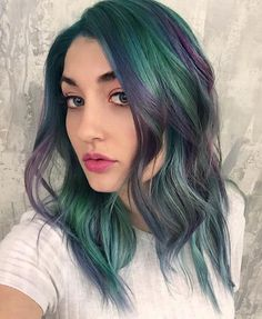 """Smoky Emerald and Purple VIVIDS Color Melt by @breanna_anythingbutbasic. """"I'm loving the #PRAVANA black additive for giving that slight smoked out grungy vibe!"""" #vividsblack"""