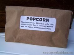 Make Your Own Microwave Popcorn Packs {Outdoor Adventure Party Favors} - bystephanielynn Popcorn Bags, Popcorn Kernels, Homemade Microwave Popcorn, Organic Popcorn, Healthy Work Snacks, Cooking Classes, I Love Food, Party Favors, Brown Paper