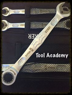 Wera Joker Metric Combination Ratchet Open End Ring Spanner Wrench All Sizes Cool Tools, Diy Tools, Hand Tools, Garage Tools, Garage Workshop, Metal Shaping, Aircraft Maintenance, Mechanic Garage, Cool Gadgets To Buy
