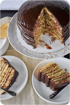 Well known Smith Island (Maryland) Cake Recipe via Lemon Sugar. Yummy Treats, Delicious Desserts, Sweet Treats, Yummy Food, Smith Island Cake, American Desserts, Lemon Sugar, Le Diner, Desert Recipes