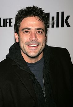50 Photos of Jeffrey Dean Morgan | Jeffrey Dean Morgan in New York City on December 5, 2006 | EW.com