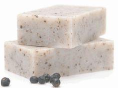 Ardıç katranı sabunun faydaları Ardıç katranı , ardıç ağacından elde edilen cilt sağlığı için kullanılan doğal ürünler kategorisindedir. Ardıç katranından elde edilen kremler, losyonlar ve sabunlar cilt için oldukça fayda göstermektedir. Ardıç katranı sabunu saç ve cilt sağlığı için kullanılmaktadır. Saçları besler ve dökülmelere iyi gelir.   #Ardıçkatranısabunu #ciltsağlığı #saçdökülmesi