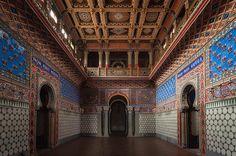 Surpreenda-se com as fotografias do interior de um castelo abandonado