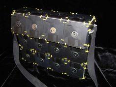 #DISQUETE ¿Qué hacer con esos viejos discos floppy? 8 ideas para reutilizarlos http://www.upsocl.com/verde/que-hacer-con-esos-viejos-discos-floppy/  #DISKETTE
