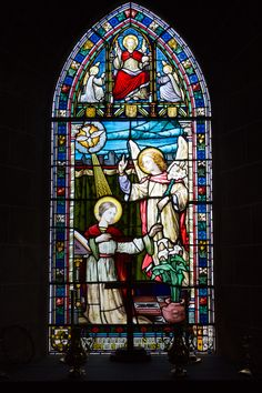 Grouville_Church_stained_glass_window_01.JPG (3196×4795)