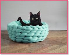 Super Lush Pet Bed What a cool cat or dog bed