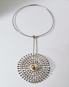 Bent & Helga Exner (DK), vintage sterling silver and gilded silver hinged neckpiece, 1970s. #Denmark | modernity.se