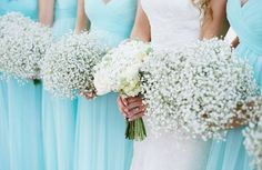 """""""Yes or no?? Simple baby's breath bouquets look so beautiful especially with the baby blue dresses!  pic from @donnafashion.it  #bride #love #wedding…"""""""