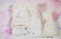 Λαδόπανο σε εκρού χρώμα με διακοσμητική φάσα από ύφασμα απλικαρισμένο με λουλούδια., annassecret, Χειροποιητες μπομπονιερες γαμου, Χειροποιητες μπομπονιερες βαπτισης Ecru Color, Cotton Towels, Christening, Underwear, Flower Girl Dresses, Ruffle Blouse, This Or That Questions, Sewing, Fabric