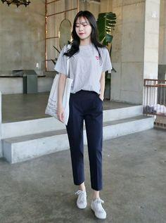 Fashion Tips Videos .Fashion Tips Videos Korean Girl Fashion, Korean Fashion Trends, Ulzzang Fashion, Korean Street Fashion, Kpop Fashion Outfits, Girls Fashion Clothes, Fashion Tips, Korean Casual Outfits, Korean Outfit Street Styles